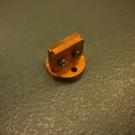 Sample holder for thermopower measurement