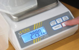 4. Press the TARE button to remove weight of cylinder from the subsequent readings
